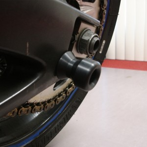yamaha-swingarm-sliders-2